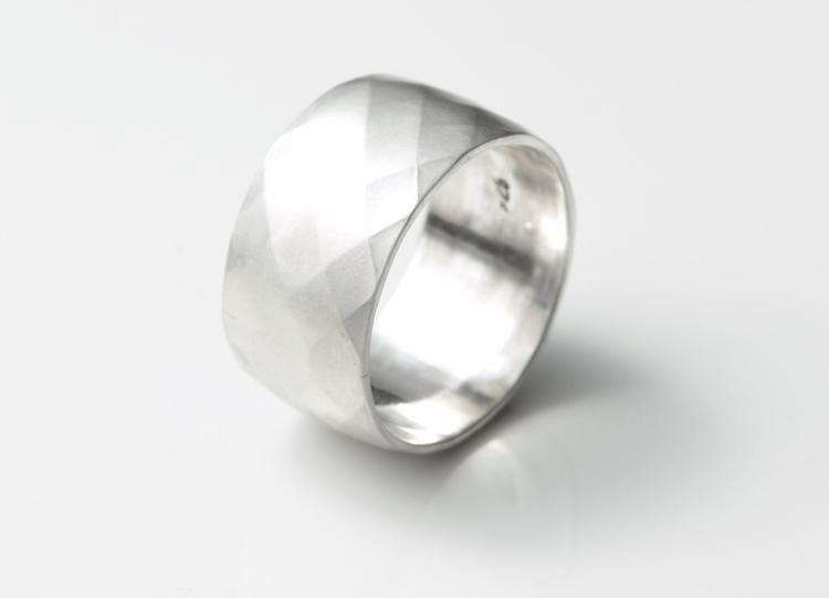 Checker Pattern Wide Silver Rin - mineralrare | ello