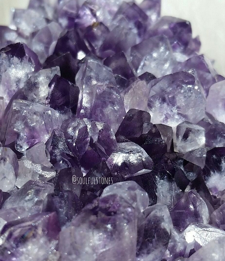 || Amethyst clusters geodes car - soulfulstones | ello