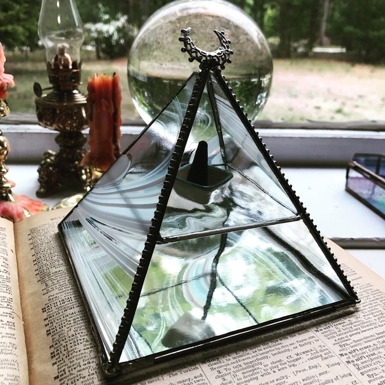 Pyramid Power Baby! beauty sold - wickedstainedglass | ello