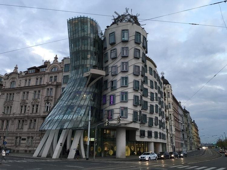 Prague, dancing, house - webcreators | ello