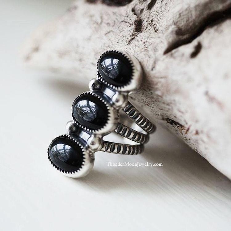 Loving Onyx beauty! Ello, Insta - thundermoonjewelry | ello