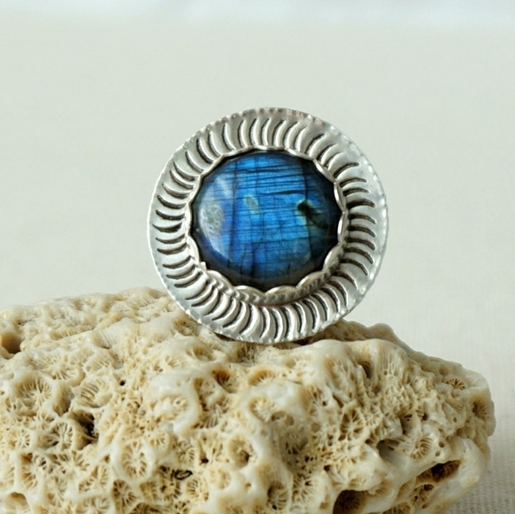 blue flash labradorite ring pre - cjsseashop | ello