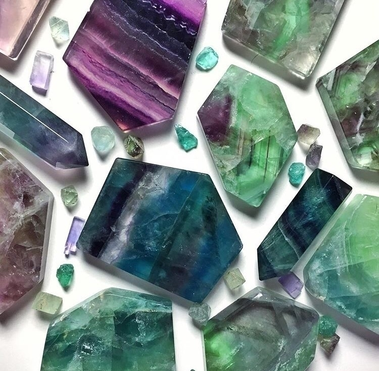 finally find perfect lighting - fluorite - midnightauracrystals | ello