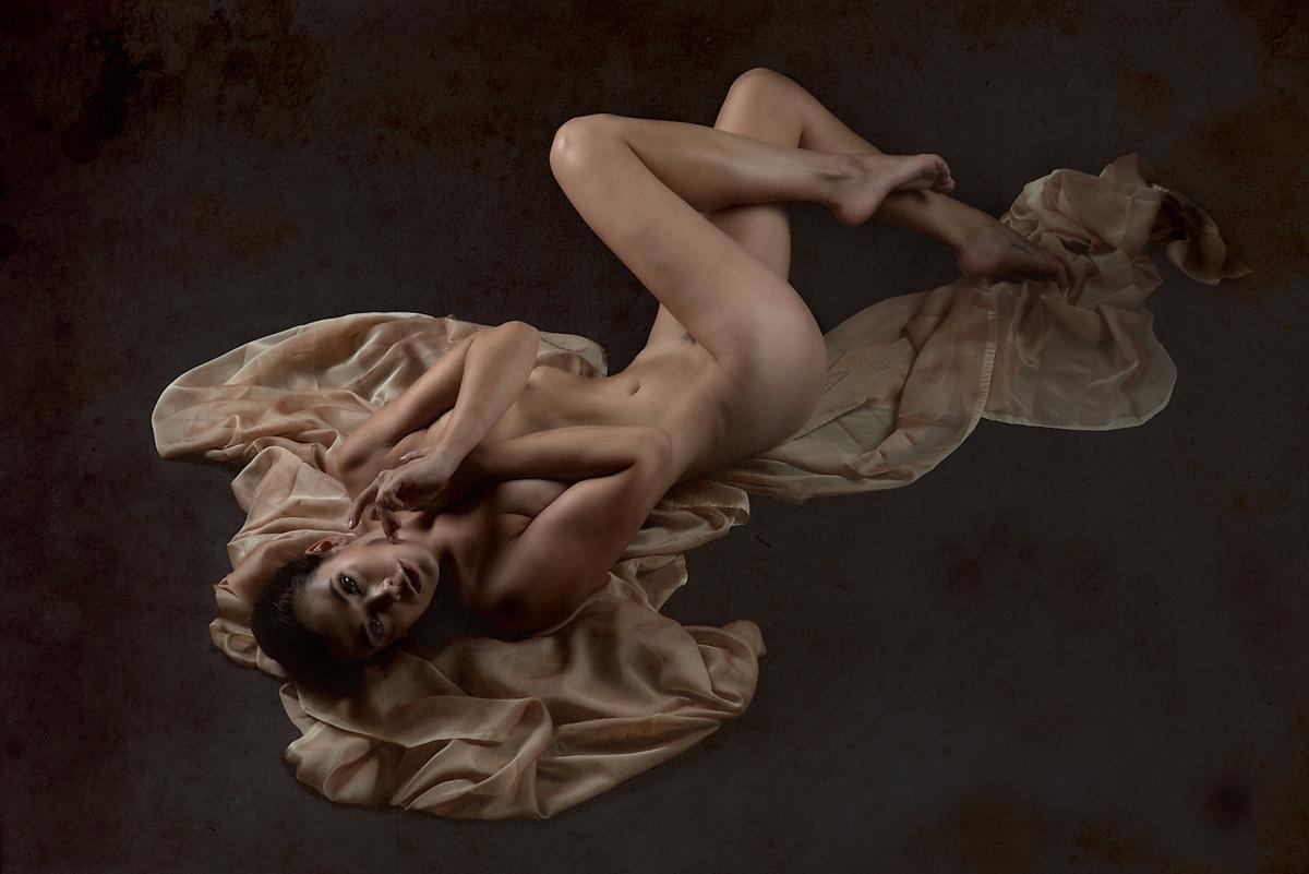 Photographer: Fon Denton -Imag - darkbeautymag | ello