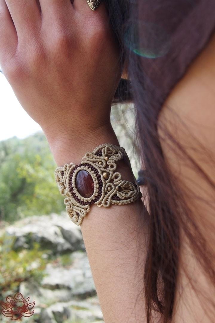 Beautiful macrame bracelet hand - laughingbuddha_macrameart | ello
