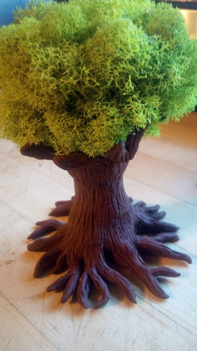 Tree sculpture love  - crystals_point | ello