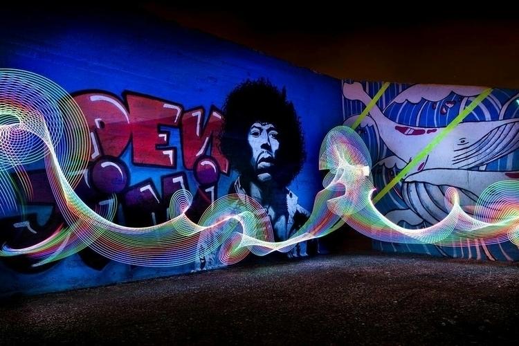 - pic nr.3 Jimi Hendrix Den lef - graffitilights | ello
