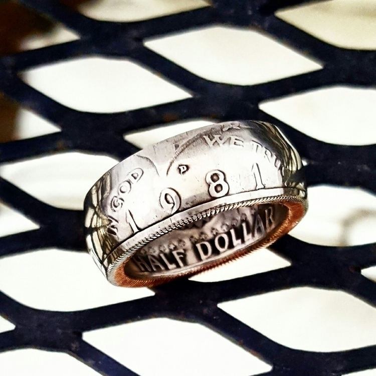 1981 Dollar Coin Ring years 196 - midnightjo | ello