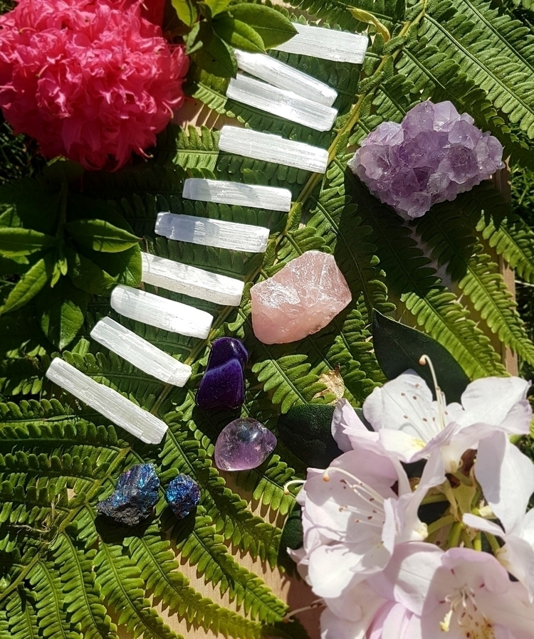 Crystal bundles shop  - crystalshop - swallowthesun | ello