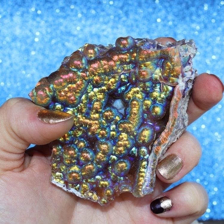 Obsessing aura coral specimen c - hoodxhippie | ello