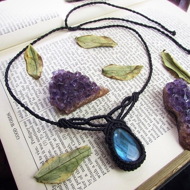 Blue labradorite macrame neckla - sinucreation | ello