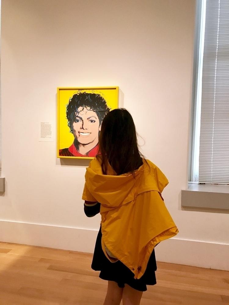 raining? museum! :heart_eyes::y - carolinaseth   ello