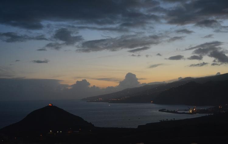 Dusk Madeira - euric | ello