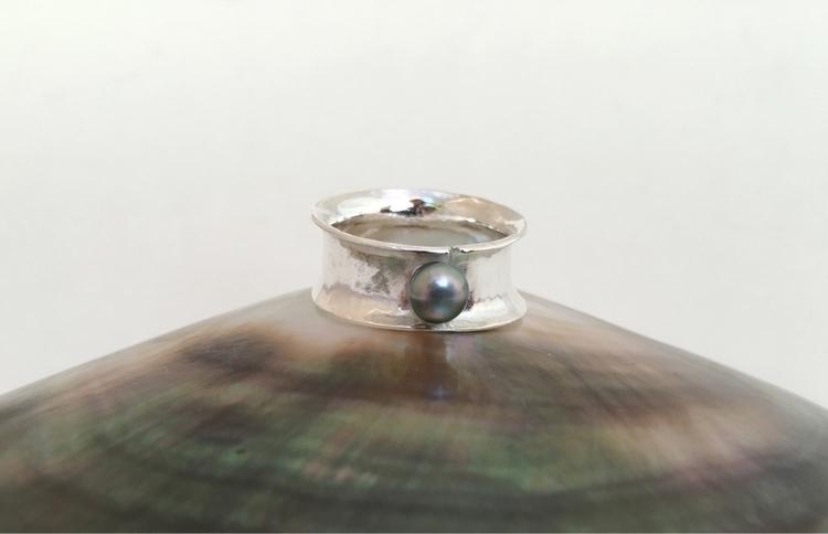Argentium silver ring keishi - handmadejewelry - aufildelaurette | ello
