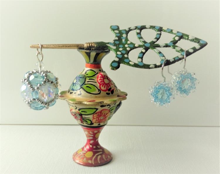 Sett Large Sphere small daisy - aquablue - haleh_creates | ello