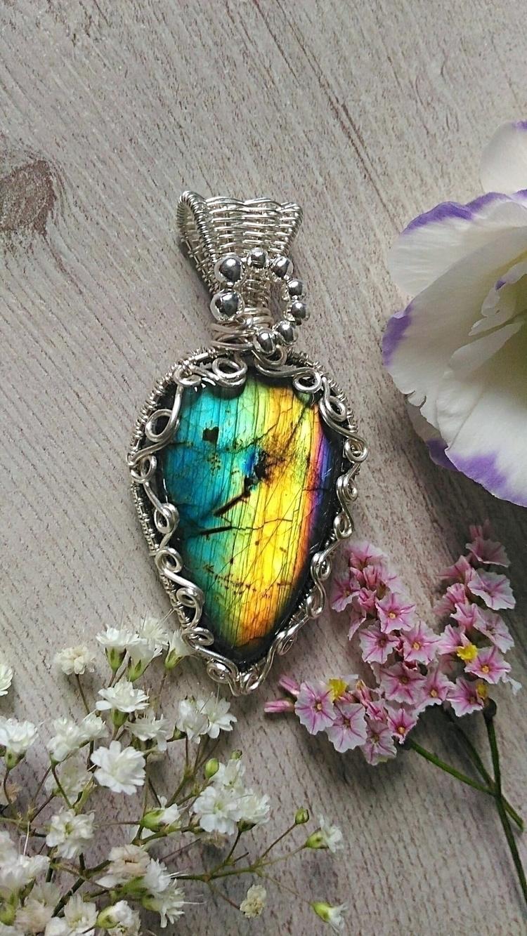 Spectrolite rarest form Labrado - handmadejewelsbyfede | ello