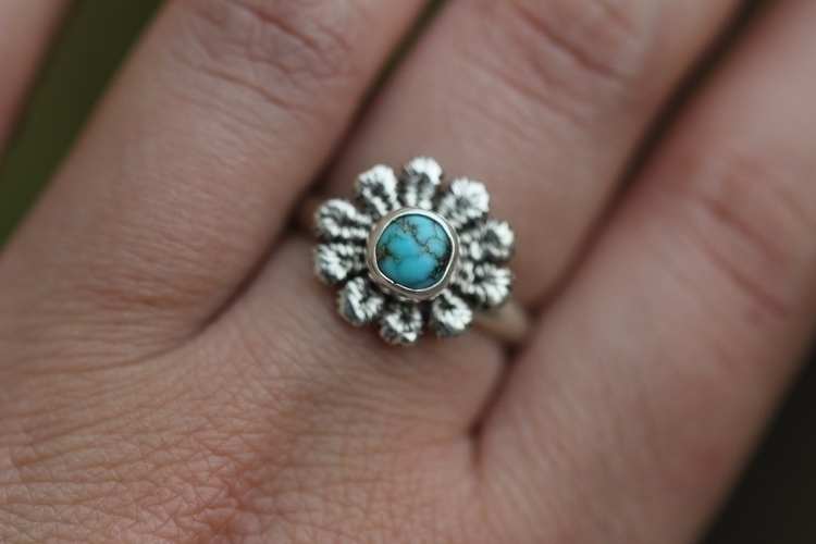 Turquoise lace daisy ring - metalsmith - arrowsandstone   ello