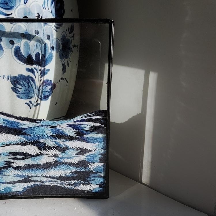 2 loves Delft blue embroidery - fiberart - fullmetalneedle | ello