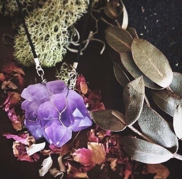 gorgeous piece business cards - crystalhealing - naturelovedesign   ello