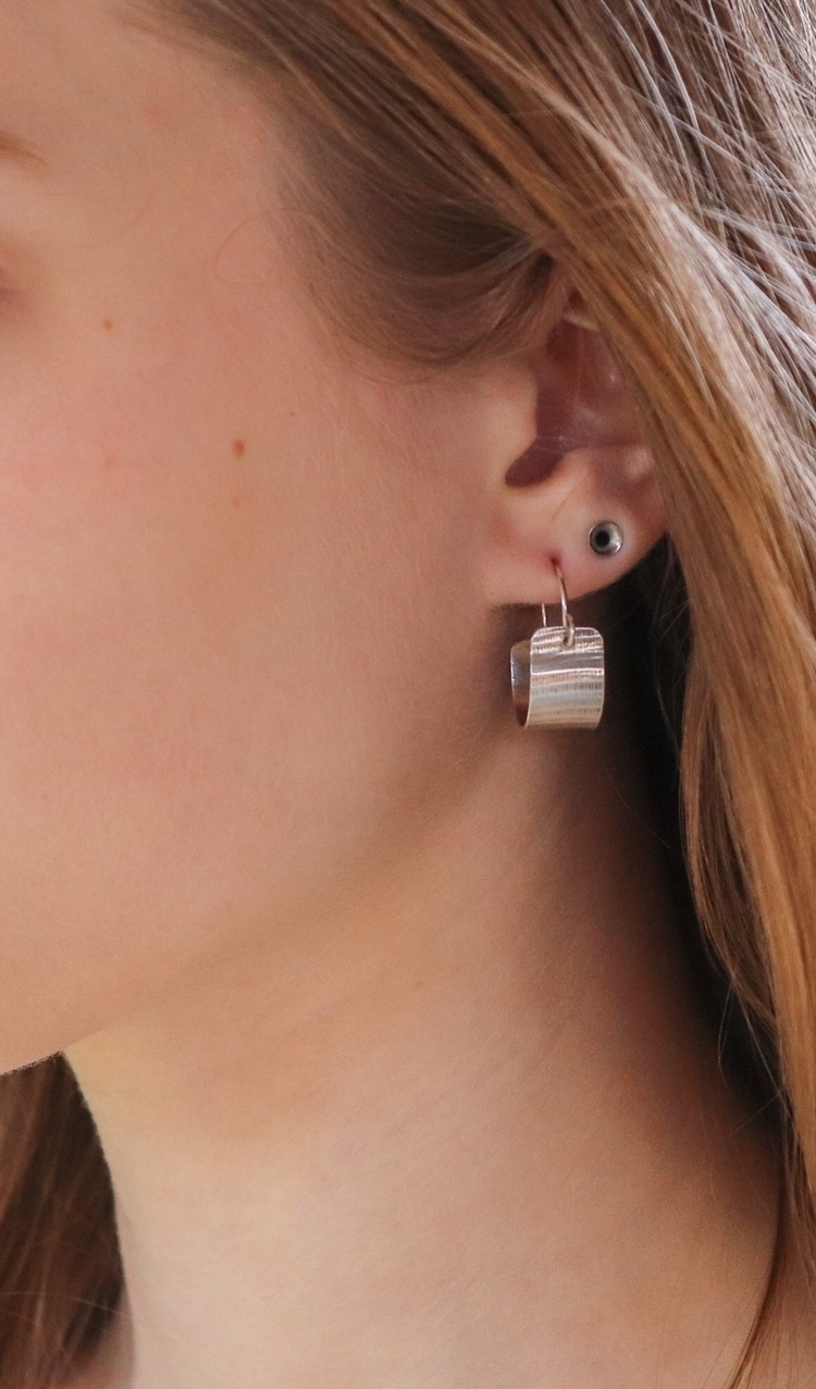 Small hoops. Everyday wear :boo - srjewelry | ello