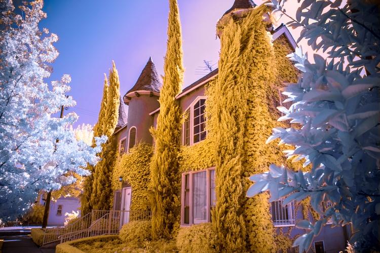 Castle living, LA - shawnangelski   ello