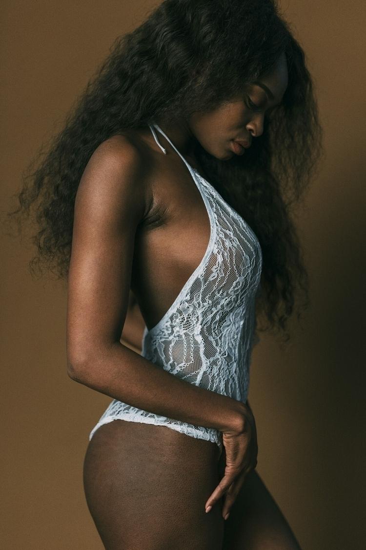 Model: Kelly Kalonji - photography - capturedbyannajulia | ello