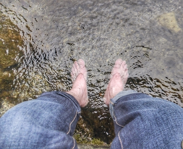 Dipping feet (St nr. Clonmel - Ireland - paulbines   ello