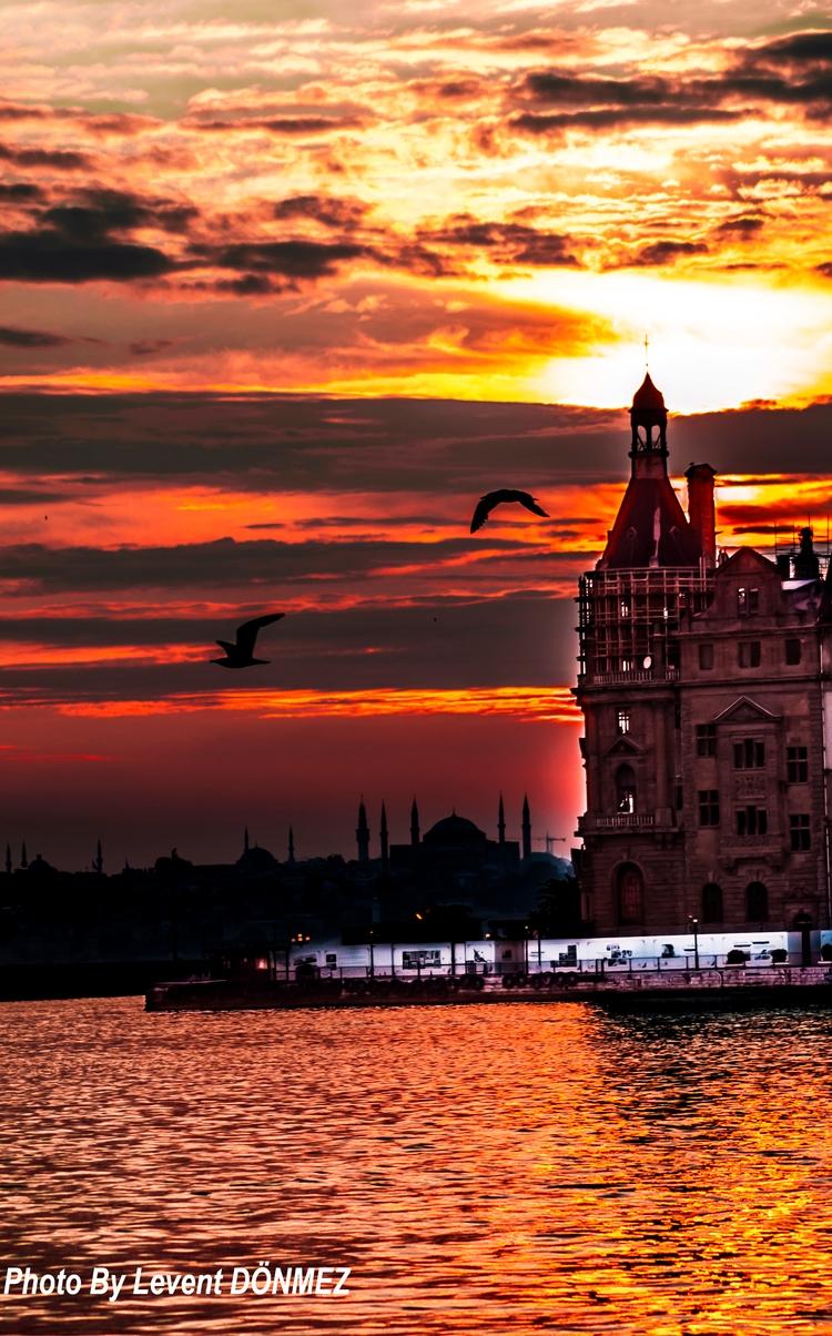 Istanbul - Haydarpasa Train Sta - leventdonmez | ello