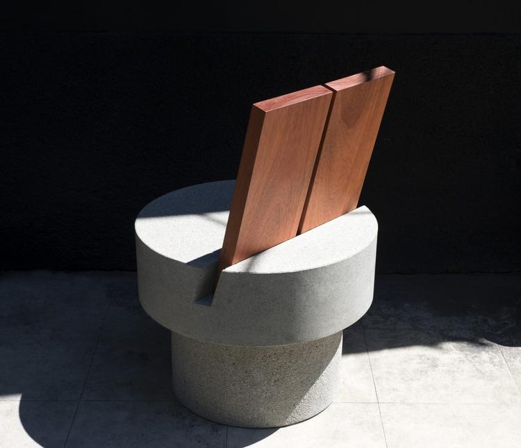 Iroko Concrete Chair Andrea Tog - barenbrug | ello
