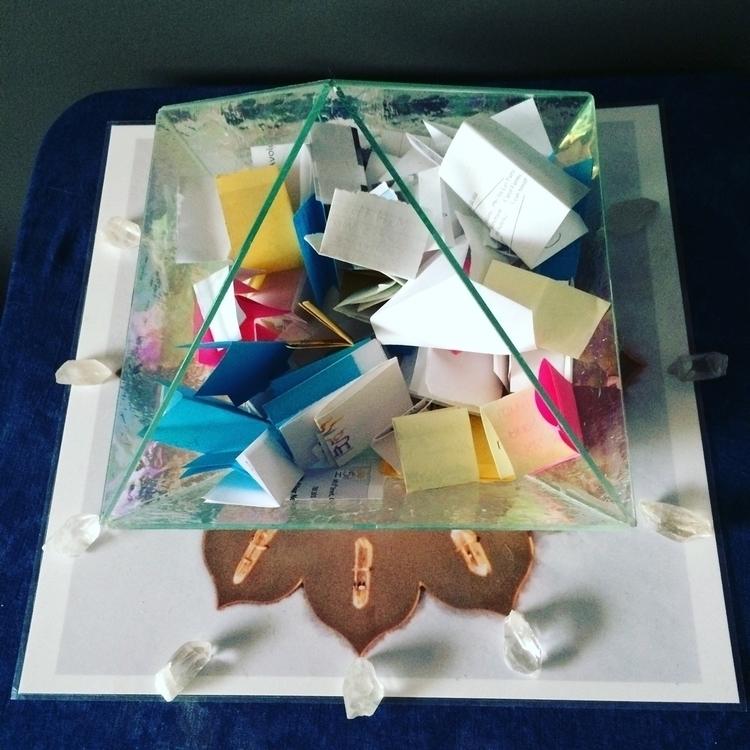 Reiki Crystal Grid sending heal - risingsunservices | ello