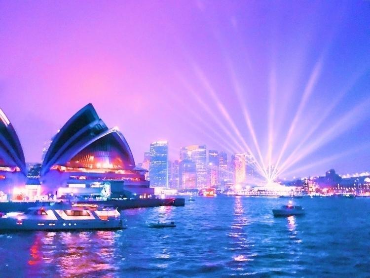 Vivid Sydney Photo Harbour crui - stupidkid | ello