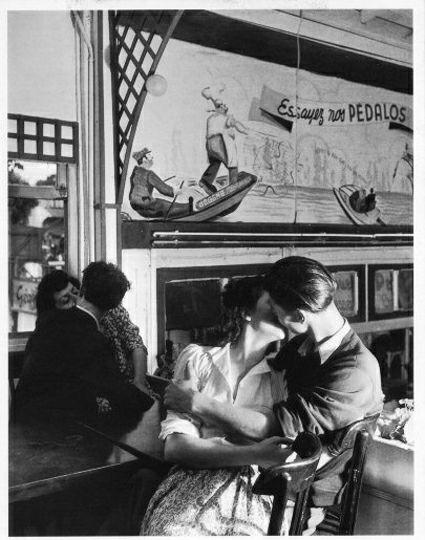 Lovers Paris , 1954 - lolosbri | ello