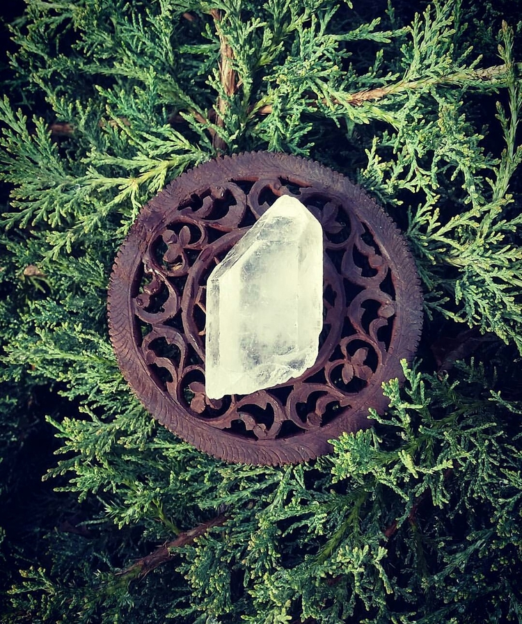 || Clear Quartz works areas min - soulfulstones | ello