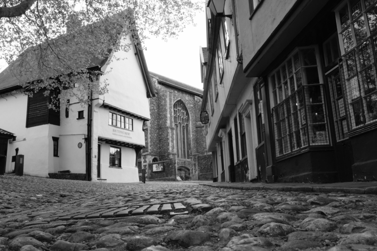 Elm Hill - Norwich, Street, mono - jamesrichards | ello