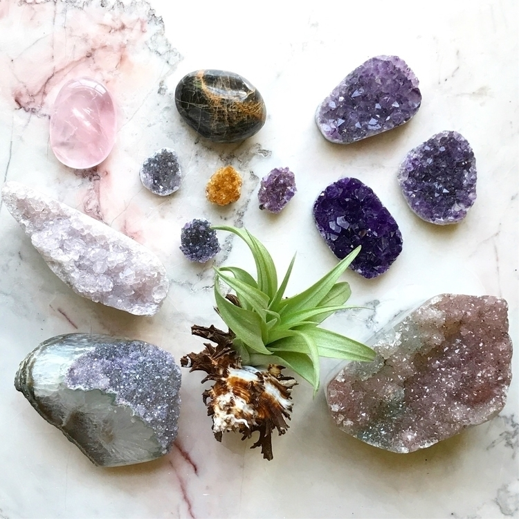 Ello everyones Sunday goin - crystals - amethystsky11 | ello