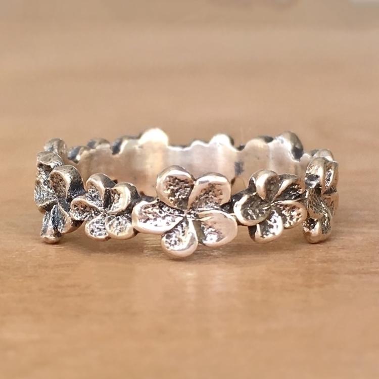 Dainty Plumeria Ring Handmade l - seagypsycollection | ello