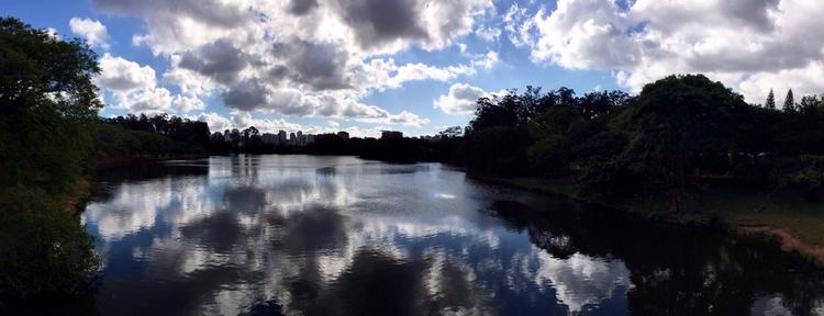 Lago Parque Ibirapuera num fina - antoniomg | ello