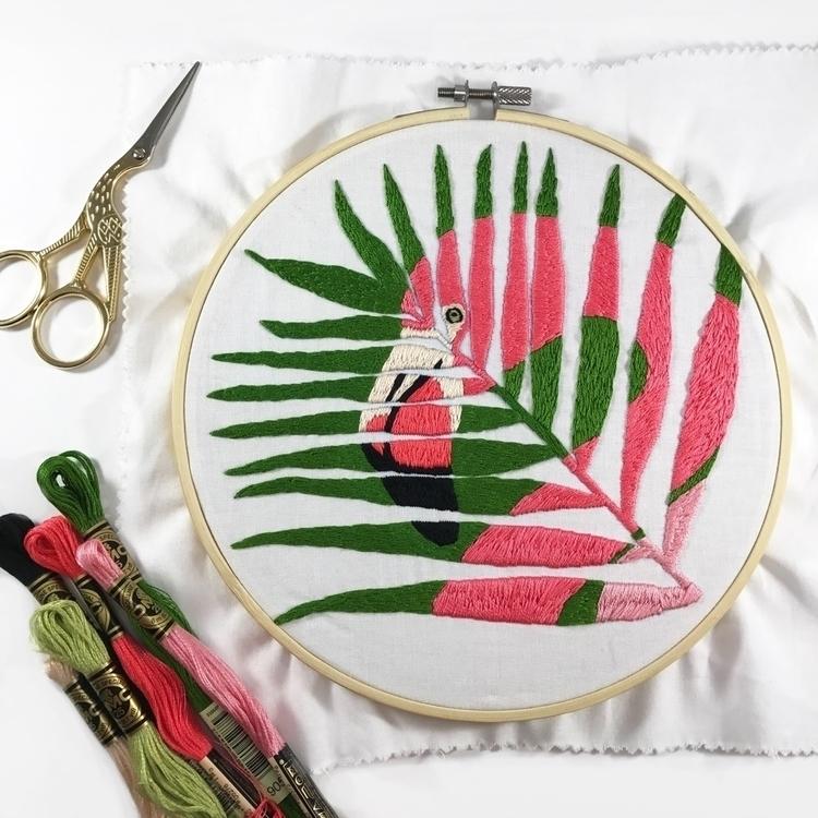 hoop working scenes! hand embro - sewnbythebeach | ello
