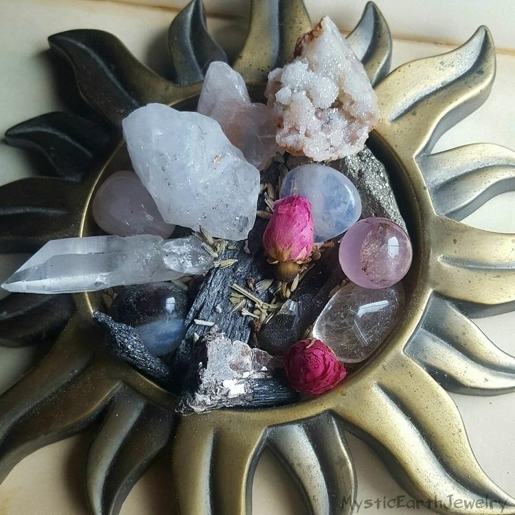 crystals - crystalhealing, hippie - mysticearth | ello