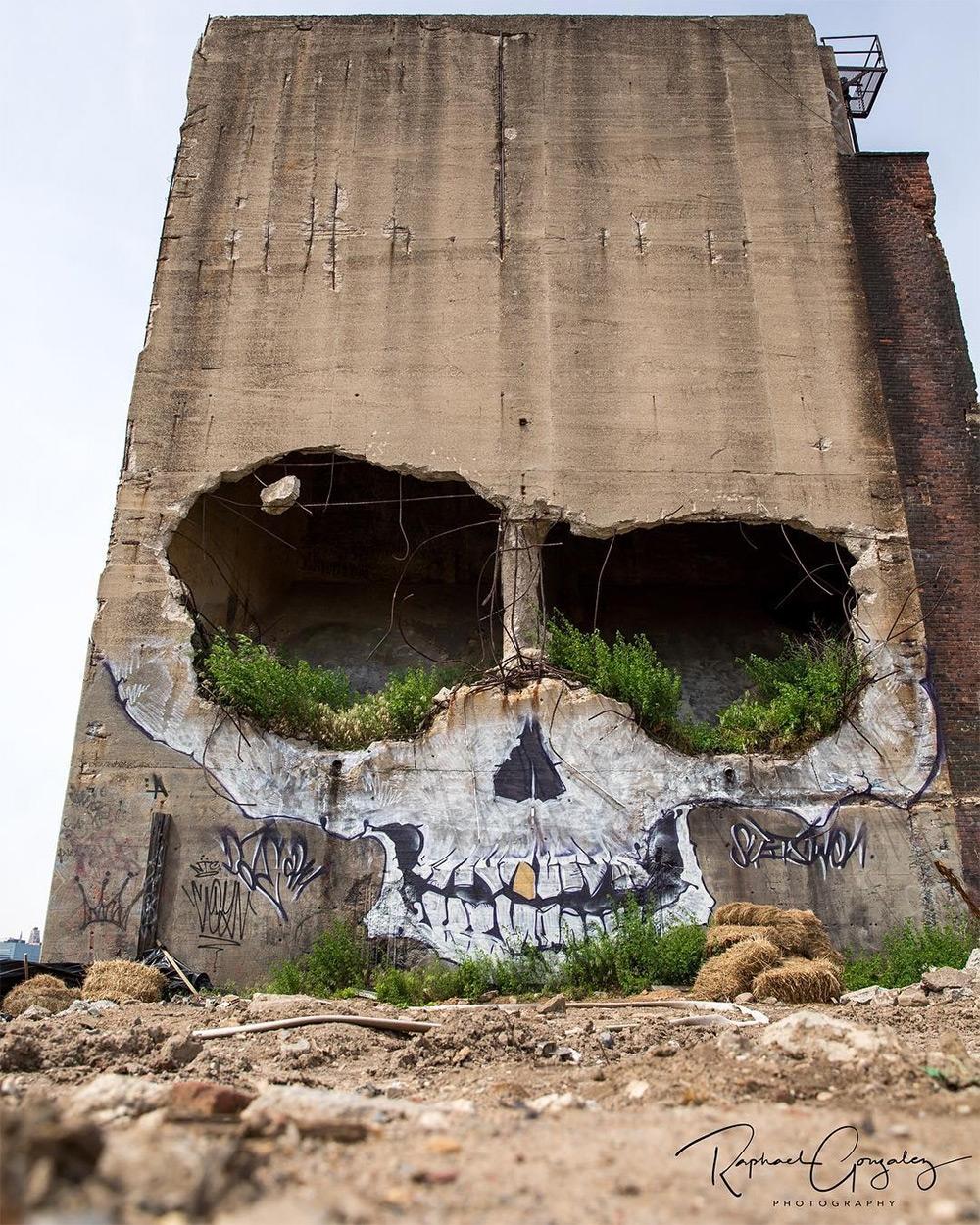 Graffiti artist Greg Suits (aka - decorkiki | ello