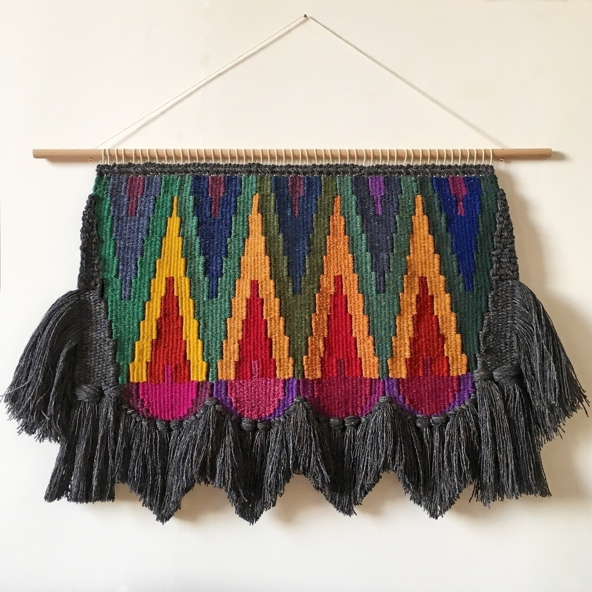 weaving, handmade, wovenwallhanging - only_a_paper_moon | ello