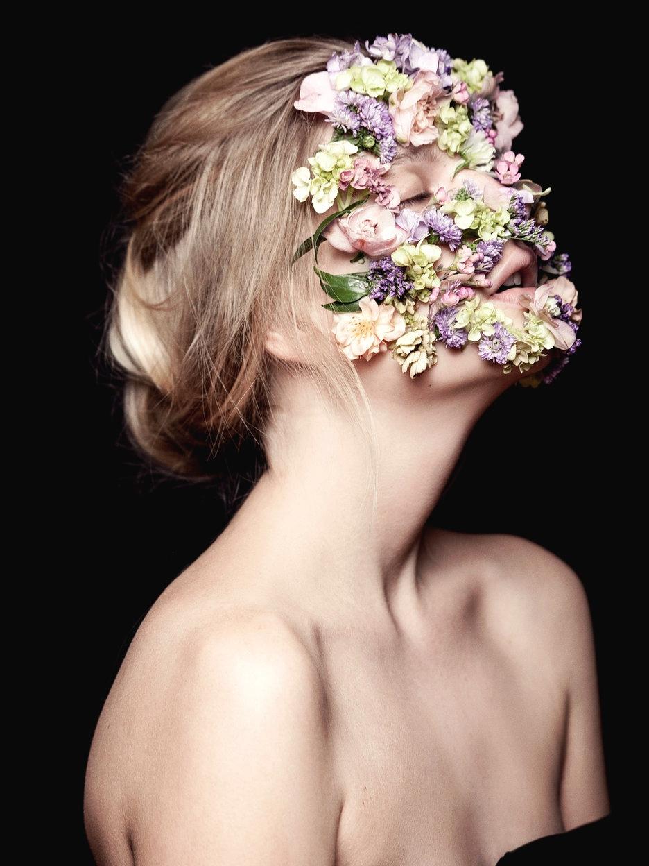"""Savage Beauty"" tribute Alexand - darkbeautymag | ello"