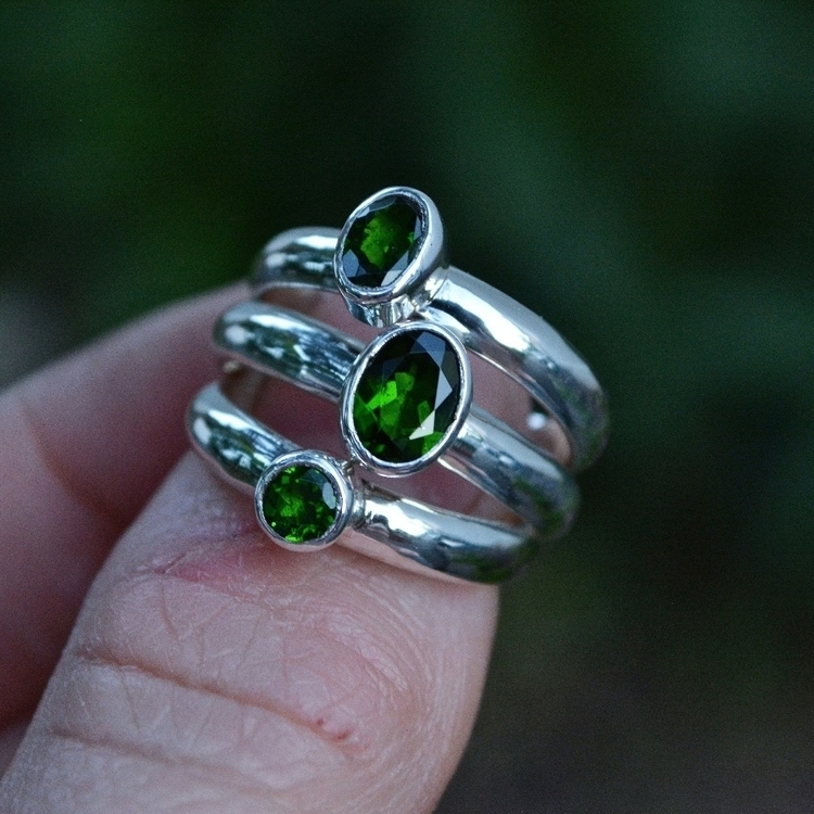Chrome diopside time favorite g - meshedesigns | ello