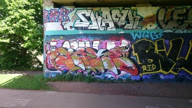 Bristol, Street_art, Graffiti - the_rush_hour_tourist | ello
