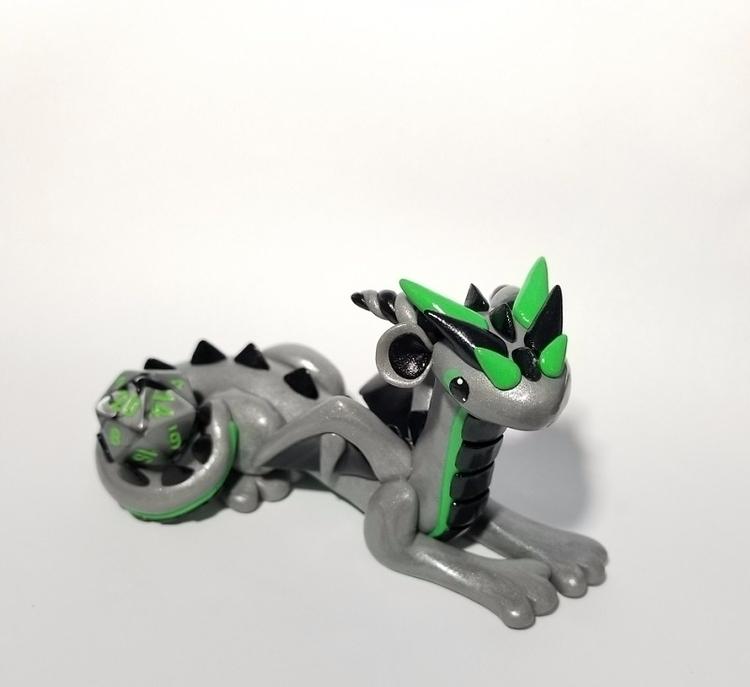 silver tricolor miniature drago - prismaticpearls | ello