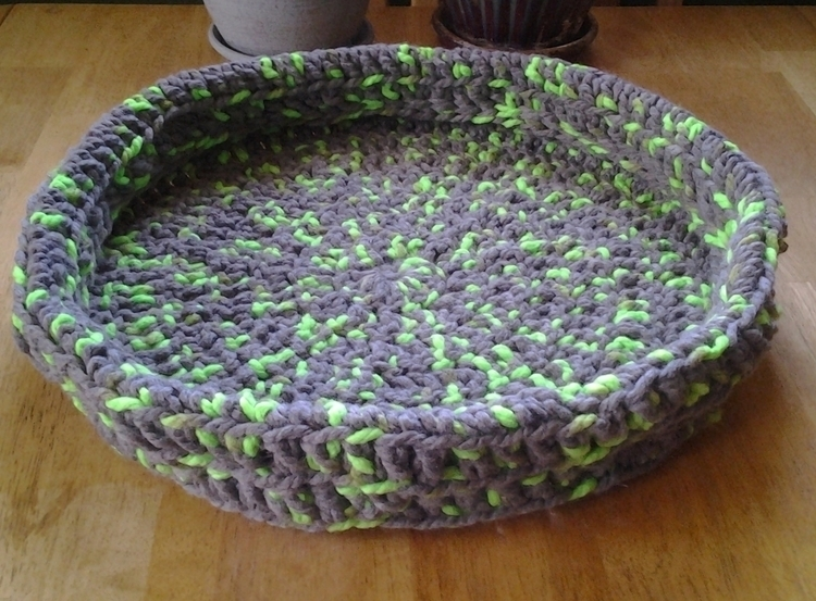 SOLD...Handmade Crochet Cat Bed - maryherrigfiberarts | ello