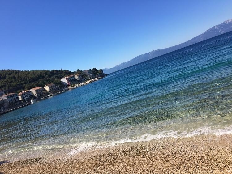 minutes [Beachin' Drvenik, Croa - rowiro | ello