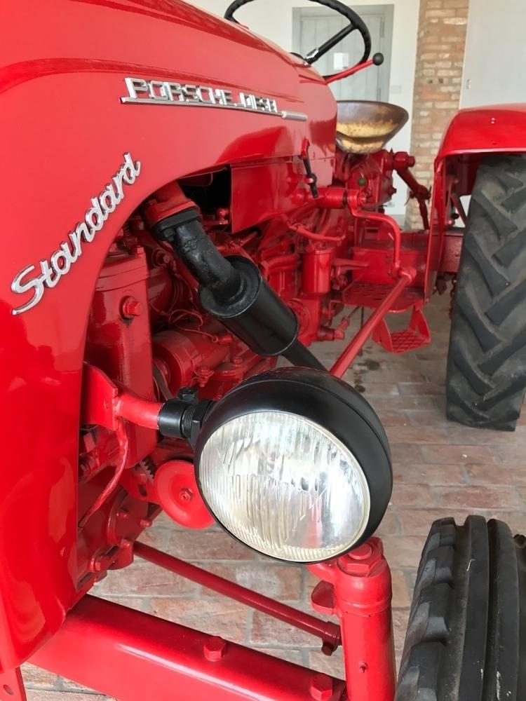 Porsche tractor - chromaline | ello