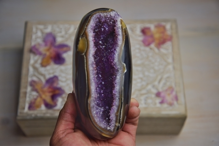 Yummy - Metaphysical, heartchakra - theeancients | ello