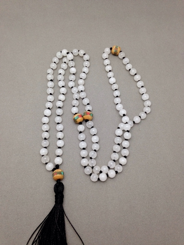 kind white jade hand knotted ma - soulluvshop | ello